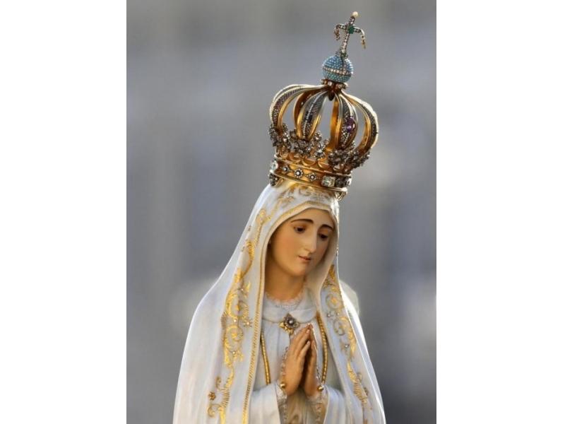 La statua della Madonna di Fatima in pellegrinaggio a Colognora di Pescaglia