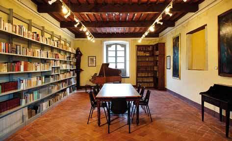 La sala della biblioteca restaurata