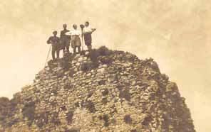 "Gente del Borgo sulla ""torre"" del Bargiglio"